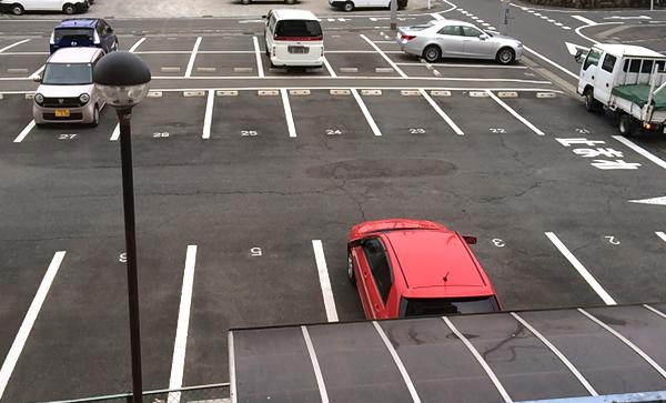 2.駐車場(建物2階より)